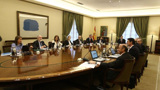 Gobierno-Rajoy-asesores-eventuales-Zapatero_TINIMA20130127_0151_5