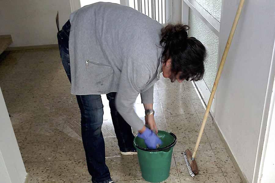 trabajo-limpieza-limpiadora